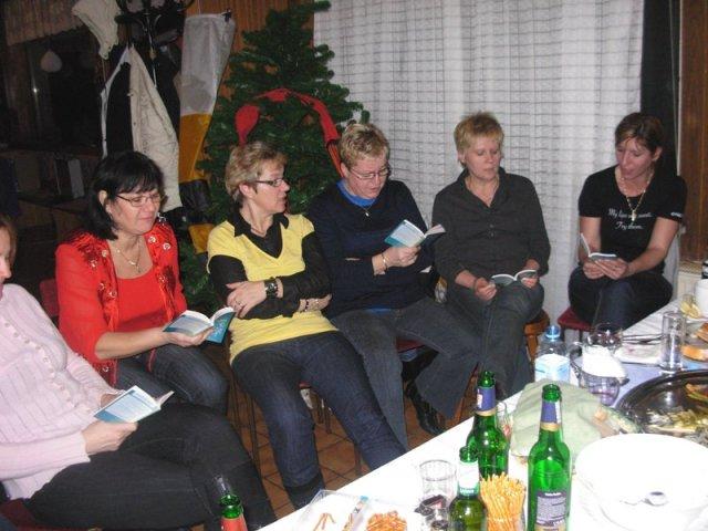 Društveni ženski pevski zbor