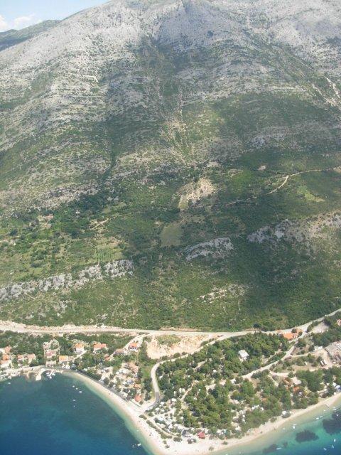 Spodaj Perna, zgoraj pod vrhom tudi vzletamo (600 m)