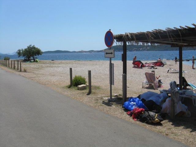 Pristanek na plaži kampa Antoni boy